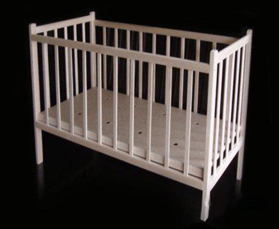 Нелакированная кроватка ольха